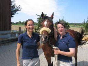 Pferdetierärztinnen Finsler und Steiff